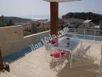 İzmir ceşme de tesetürlü ailelere uygun lüks  havuzlu kiralık villa