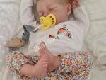 Otantik yeniden doğmuş ve silikon bebek bebekleri